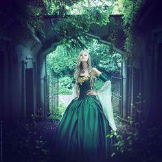 Poison by =ForestGirl on deviantART  -  http://forestgirl.deviantart.com/gallery/#/d4fl8gl