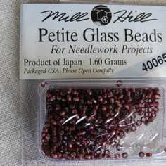 Perle mill hill petite  glass  beads 40065