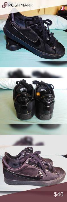 Nikes size 8 Black nike sneakers Nike Shoes