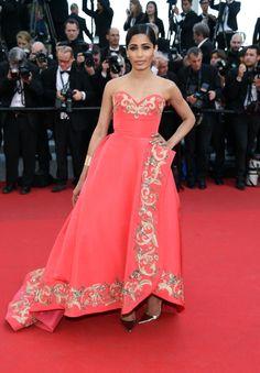 Fabulously Spotted: Freida Pinto Wearing Oscar de la Renta - 'The Homesman' 2014 Cannes Film Festival Premiere - http://www.becauseiamfabulous.com/2014/05/fabulously-spotted-freida-pinto-wearing-oscar-de-la-renta-homesman-2014-cannes-film-festival-premiere/