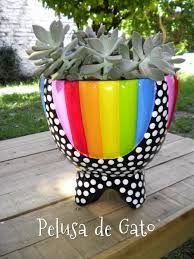 Resultado de imagen para macetas pintadas Painted Plant Pots, Ceramic Plant Pots, Painted Flower Pots, Clay Pots, Clay Pot Projects, Clay Pot Crafts, Flower Pot Art, Vases, Decorated Flower Pots