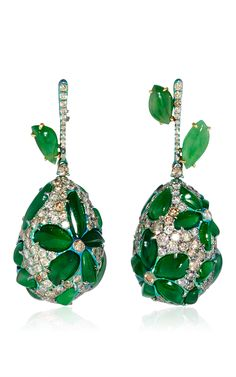 Shop Titanium Imperial Jade and Diamond Egg Earrings. These **Arunashi** earrings feature exquisite vibrant stones highlighted by decadent diamonds which epitomizes the brand's art deco aesthetic. Jade Earrings, Jade Jewelry, High Jewelry, Modern Jewelry, Jewelry Art, Diamond Jewelry, Diamond Earrings, Jewelry Design, Flower Earrings