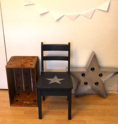School chair and star lamp by un lapin dans le tiroir