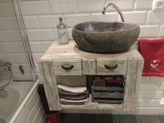 mueble de lavabo con palets Ikea Bathroom Storage, Small Bathroom Shelves, 36 Bathroom Vanity, Laundry Room Bathroom, Bathroom Flooring, Small Rustic Bathrooms, Bathroom Tile Designs, Classic Bathroom, Storage Cart