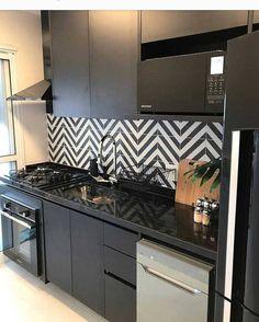 Cozinha básica e lindinha ... #cozinha #kitchen #basico #reforma #planejados #house #projeto #black