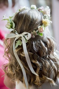 flower crown with British flowers by www.commonfarmflowers.com - pic by sim