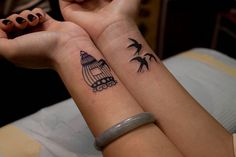 Bird Cage Tattoo.. I LOVEE THiS.. ive always wanted a bird flying out of a cage to symbolize being freed .. from my mind.. muhaha