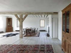 Charles Pictet Architecte: Transformation of an Ancient Grange - Thisispaper Magazine Contemporary Interior Design, Contemporary Architecture, Home Interior Design, Interior Architecture, Simple Interior, Interior Ideas, Everything Is Illuminated, Journal Du Design, Interesting Buildings