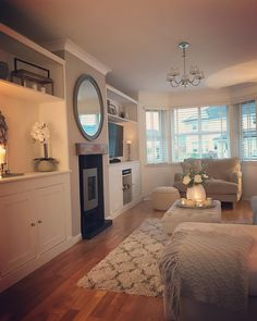 Love this! Love the layout too Love this! Love the layout too Living Room Shelves, New Living Room, Home And Living, Living Room Decor, Bedroom Decor, Living Room No Fireplace, Small Living, Built In Cupboards Living Room, Modern Living