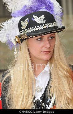 Guildhall Yard, London, UK. 30th September 2012. A Pearly Princess. The Pearly Kings and Queens Harvest Festival in Guildhall Yard. A Cockney annual event with Maypole Dancers, Morris Men, a marching band and Pearly Kings & Queens from all over London. © Matthew Chattle / Alamy