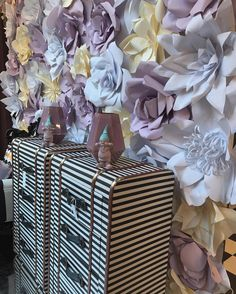 New Window #preview #spring2017 at @vincenzo_dascanio_studio #milano #neverstop  #paper #flowers