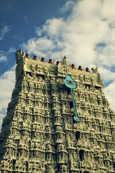 Thiruchendur is a small coastal town famous for the Temple dedicated to Lord Murugan,The Hindu God of war Lord Murugan Wallpapers, Shiva Lord Wallpapers, Temple India, Hindu Temple, Shiva Hindu, Krishna, Romantic Love Pictures, Indian Temple Architecture, Divine Goddess