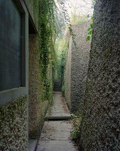 Villa Ottolenghi in Bardolino, Italy, by Carlo Scarpa Green Architecture, Architecture Details, Landscape Architecture, Landscape Design, Garden Design, Ancient Architecture, Sustainable Architecture, Carlo Scarpa, Architectural Photographers