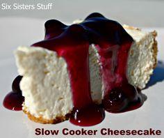 Six Sisters' Stuff: Easy Slow Cooker Cheesecake Recipe crockpot cheesecake Crock Pot Cheesecake, Cooker Cheesecake, Crock Pot Desserts, Slow Cooker Desserts, Crockpot Dishes, Cheesecake Recipes, Just Desserts, Delicious Desserts, Dessert Recipes