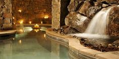 Resort West Ski Dream Home : grand luxe aux pieds des pistes Indoor Waterfall, Pool Waterfall, Mountain Dream Homes, Mountain Living, Deer Valley Resort, Summit View, Grand Luxe, Dream Mansion, Dream Houses