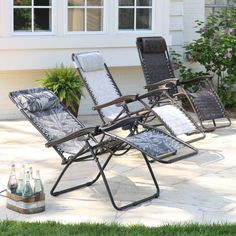 Add infinite comfort and a splash of modern style to your deck or patio with this lounger.