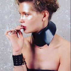 New work in LUI Italia Model: @daria_dashunya Photo: @olivierbraumanphotographe Stylist: @juliagiffeystylist Hair: @frederickteglia @b_agency MUA: @sylviemainvillemakeup #ammunitioncouture #collar #lappart #beauty #fashion #model #accessoriesaddict #darkstyle #makeup #hair #gold #black #photography #lotd #paris #italia
