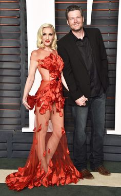 Gwen Stefani & Blake Shelton from Vanity Fair Oscars Party 2016: What the Stars Wore | E! Online