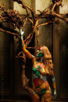 Stained glass bodypaint  Model: Nina Bodypaint & photo: www.shooten.nl
