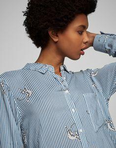 Camisa estampada manga larga - Ver todo - Novedades - Mujer - PULL&BEAR México