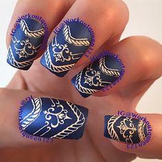 Cobalt and Peach  polishes used #chinaglaze Scandalous Shenanigans #mundodeunas Peach-31 stamping plates #moyoulondon Artist-9,-17 #moyou #moyou_london #nail #nails #nailart  #nailpolish