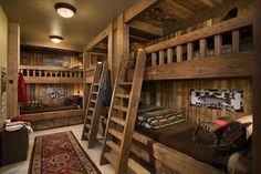 Bunk room in rustic mountain ski lodge. Built-in bunks. Bunk Beds Built In, Cool Bunk Beds, Cabin Bunk Beds, Loft Beds, Rustic Bunk Beds, Cabin Bedrooms, Trundle Beds, Shared Bedrooms, Wooden Wall Design