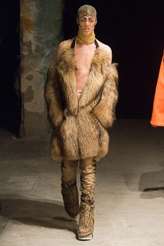 Hood By Air unveiled its Fall/Winter 2015 collection during Mercedes-Benz Fashion Week New York. Fashion Week, Daily Fashion, Fashion Show, Mens Fashion, Runway Fashion, Fashion Brands, Hood By Air, Beyonce Style, Silhouette
