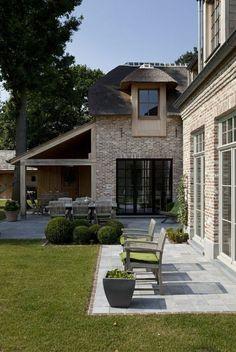 Klinker, Küchenerweiterung - New Ideas . Garden Entrance, Kitchen Extension, House Exterior, House Design, Exterior Brick, Belgian Style, Outdoor Living, Brick Porch, Home Deco