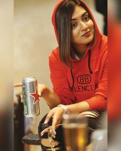 in red hoodie Nazriya Nazim, Actor Photo, Pencil Art Drawings, Red Hoodie, Cute Pictures, Photoshoot, Actresses, Actors, Hair Cuts