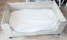 DIY Dog Bed Pallets.