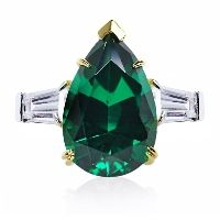 MAGNIFICENT PEAR CUT IN Emerald #caratlondon #jewellery #emerald