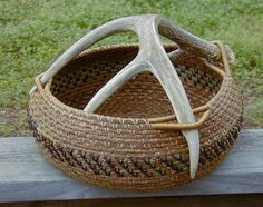 Antler Handle Basket by Lynn and Sue Van Couvering and Lindsey Uribe Antler Crafts, Antler Art, Rope Crafts, Rope Basket, Basket Weaving, Pine Needle Crafts, Pine Needle Baskets, Woven Baskets, Bountiful Baskets