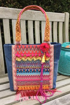Great tote bag in Ibiza style, if you like colors and jeans?!!