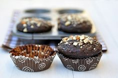 Anjas Food 4 Thought: Chocolate Carrot Muffins with Buckwheat Flour Buckwheat Muffins, Carrot Muffins, Carrot Cake, Buckwheat Recipes, Healthy Desserts, Delicious Desserts, Yummy Food, Healthy Treats, Juicer Pulp Recipes