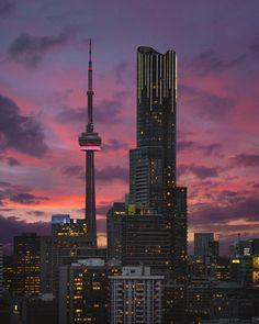 Amazing shot by bora. Little Italy Toronto, Torre Cn, Wallpaper Toronto, Toronto Pictures, Toronto Ontario Canada, Downtown Toronto, Toronto Skyline, Toronto Travel, Birds Eye View