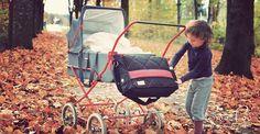 #Retrokinderwagen mit Boo Poo Wickeltasche und Herbstwetter #Wickeltaschen #BabyChangingBags #SacàLanger by #BooPoo