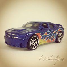 Heat Fleet - Dodge Charger SRTR8 - 2008 Hot Wheels