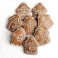 Prodané zboží uživatele pichsem-pichtam   Fler.cz Christmas Gingerbread, Christmas Deco, Gingerbread Cookies, Christmas Time, Christmas Goodies, Christmas Treats, Christmas Tree Decorations, Chocolate Christmas Cake, Cookie Box