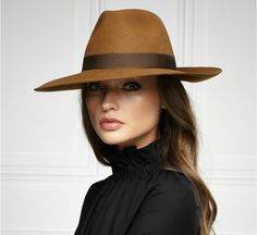 Buy Women Hats Online By Lockhatters - Luxurious fur felt hats and couture millinery for women. Tailor-made service available. Shop online in any season.