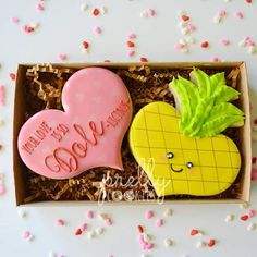 """323 Likes, 6 Comments - April (@prellycookies) on Instagram: """"Your love is so DOLE-licious!  Super cute hubby heart pineapple cutter by @sweetleighprinted…"""""""