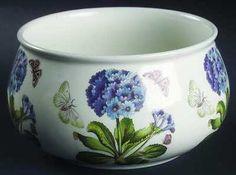 Beautiful round bowl!!!! Diameter 7 in Design is the Blue primrose!! Looove!