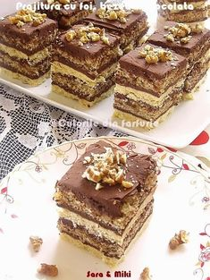 Pastry with cakes, meringues and chocolate Romanian Desserts, Romanian Food, Sweets Recipes, Cake Recipes, Cooking Recipes, Dessert Drinks, Mini Desserts, Ice Cream Recipes, Chocolate Recipes