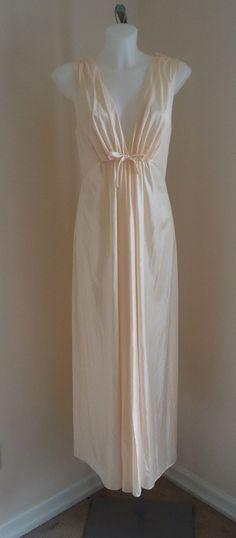 Vintage 1970s Vanity Fair Peach Nightgown on Etsy, $52.98 CAD