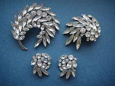 Rhinestone Jewelry, Vintage Rhinestone, Vintage Costume Jewelry, Vintage Costumes, I Love Jewelry, Jewelry Sets, Antique Jewelry, Vintage Jewelry, Dress Jewellery