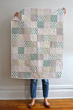 Modern Baby Quilt por JambalayaGifts en Etsy, $80.00