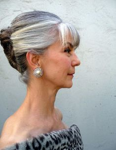 50 Shades of Grey Hair Trends and Styles - Ohh My My Grey Hair Over 50, Long Gray Hair, Silver White Hair, French Twist Updo, French Twists, Ageless Beauty, Going Gray, Older Women Hairstyles, Hair Dos