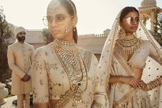 Sabyasachi Spring Summer 2019 collection just launched yesterday, and I have every single picture in this post for you. Lots of lehengas, sarees & more. Indian Dresses, Indian Outfits, Shadi Dresses, Khadi, Sabyasachi Collection, Muslim Wedding Dresses, Wedding Outfits, Ritu Kumar, Indian Couture