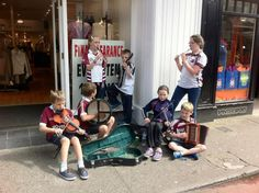 Enfants musicien -  Fleadh Cheoil 2015 Baby Strollers, Children, Music, Folk Music, Music Festivals, Ireland, Baby Prams, Young Children, Musica