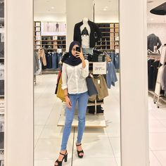 Ideas Dress Modest Casual Fashion Tips For 2019 Hijab Casual, Ootd Hijab, Hijab Chic, Women's Fashion Dresses, Girl Fashion, Fashion Tips, Simple Outfits, Casual Outfits, Hijab Mode Inspiration