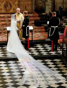 Prince Harry and Meghan Markle stand at the altar at St George's Chapel on May 2018 in Windsor, England. Get premium, high resolution news photos at Getty Images Harry And Meghan Wedding, Harry Et Meghan, Princess Diana Wedding, Princess Meghan, Prince Harry And Megan, Meghan Markle Wedding Pictures, Meghan Markle Wedding Dress, Evening Dresses For Weddings, Designer Wedding Dresses